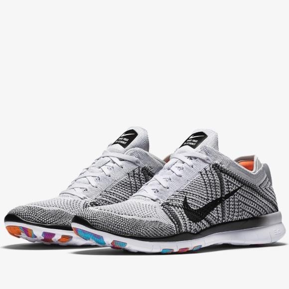 more photos 66a21 9da8e Nike Free TR 5 Flyknit Women's training shoe